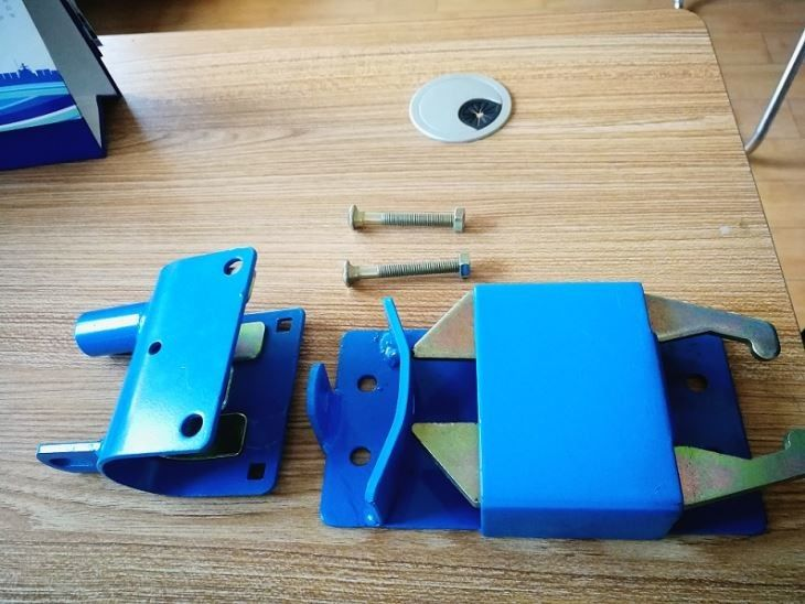 Blue Color Painted Metal Fence Accessories / Two Way Gate Latch Easy Operate
